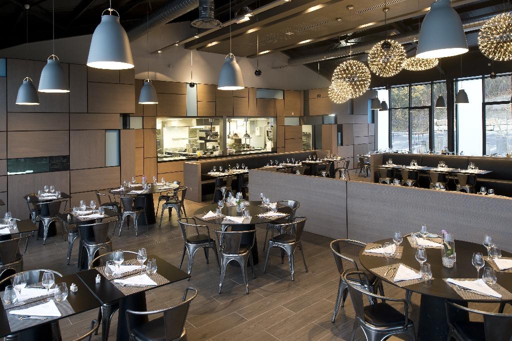 Salon cuisine design besancon 33 for Salon cuisine design